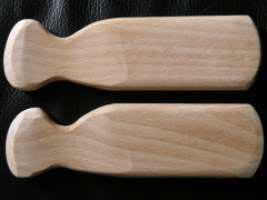a pair of chlefele - clappers